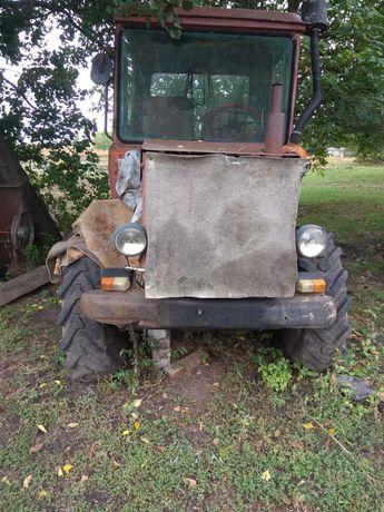 Трактор  мтз юмз