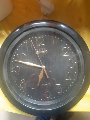 Часы настенные..