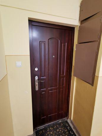 Pilnie Sprzedam drzwi wyjściowe 80 z demontażu w dobrym stanie