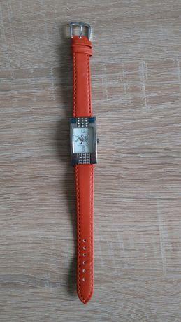 Часы от Эйвон