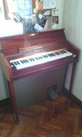 Orgão pequeno de movel antigo