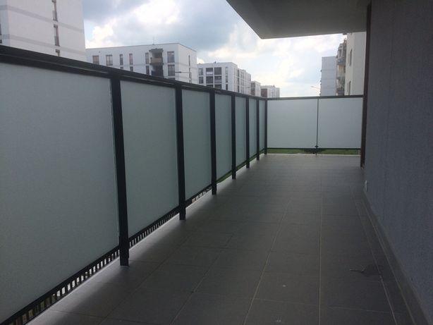 Oklejanie balkonów, ścian, mebli.