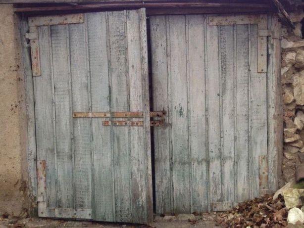 Ворота на гараж двери