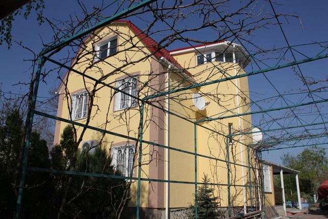 3-этажный жилой дом, 5 спальных комнат в Санжейке на берегу моря