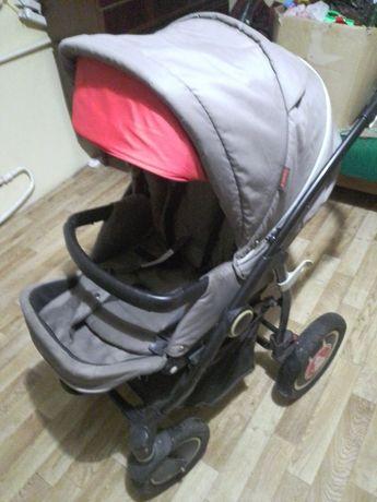 Детская коляска 3 в одном