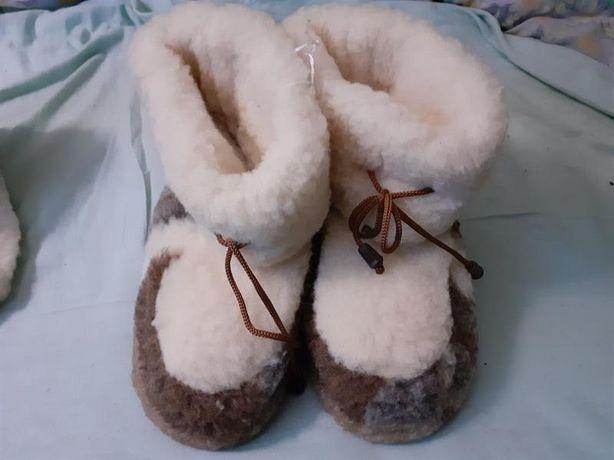 Сапожки теплые домашние. Угги-чуни. Натуральная овчина.