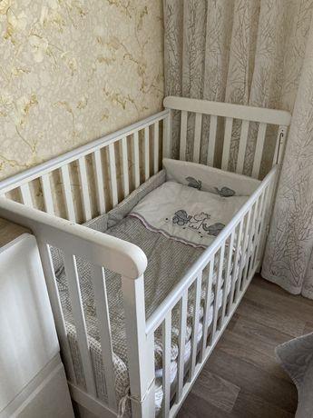 Дитяче ліжечко