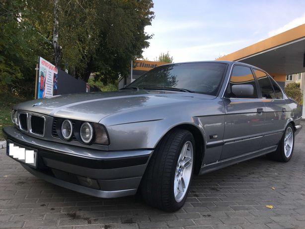 Продам BMW 540 1993г