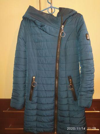 Куртка демисезонная на девочку, женщину р.42