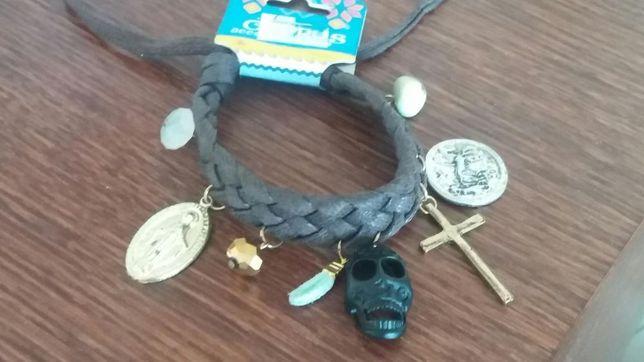 Bransoletka ze sznurka pleciona czaszka krzyż wisiorek medalik