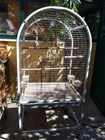Vendo viveiro para pássaros
