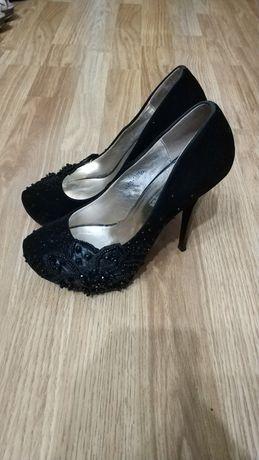 чорні туфлі.. черные туфли 37