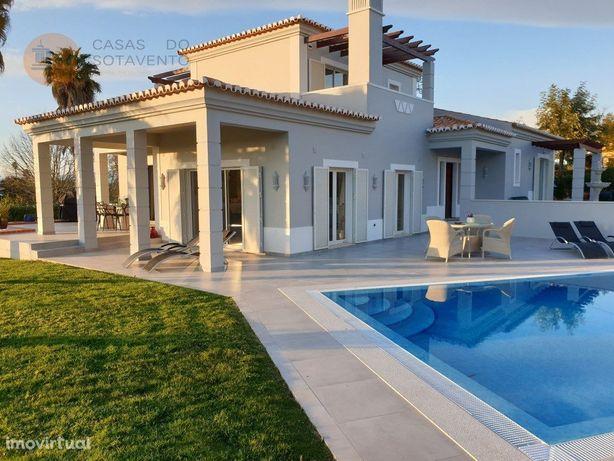 Moradia Isolada V3 com piscina no Golf Gramacho