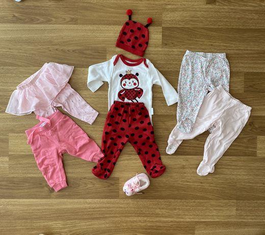 Пакет вещей на девочку (штанишки, ползуны, костюмчик 6 М)