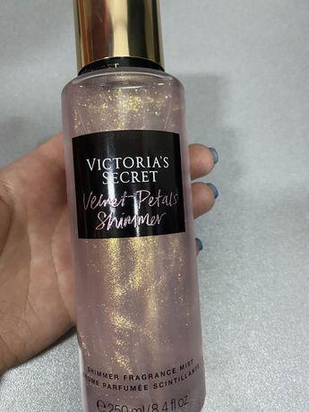 Спрей  с Блестками Victoria's Secret Velvet Petals Shimmer Frag