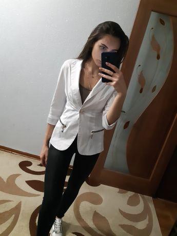 Женский стильный пиджак