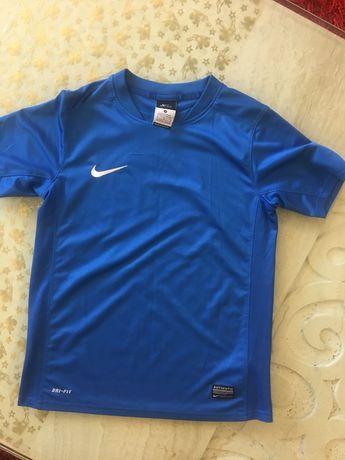 T-shirt Nike - rozmiar 140-146