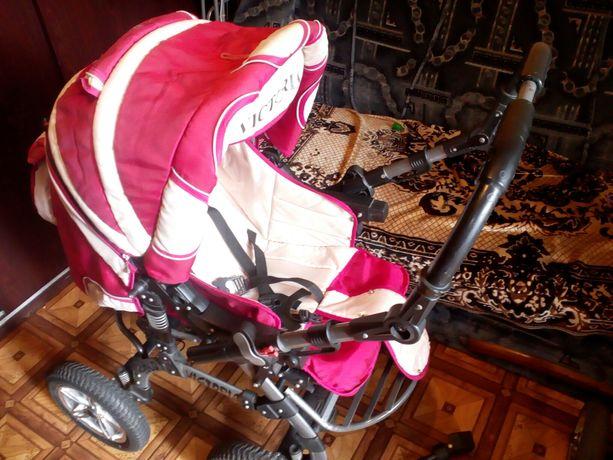 Продам коляску+ ходунки в подарок.