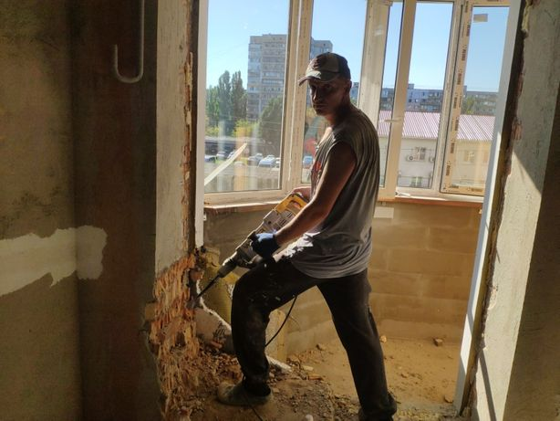 Демонтаж бетона кирпича, пола .