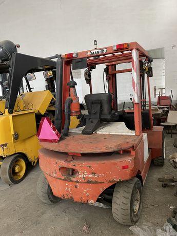 Mempilhador manitou diesel 4000 kgrs rodado duplo