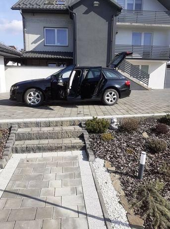 Audi  a4 kombi .