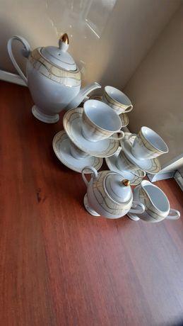 Serwis kawowy biało złoty