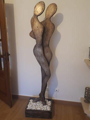 Estátua em madeira