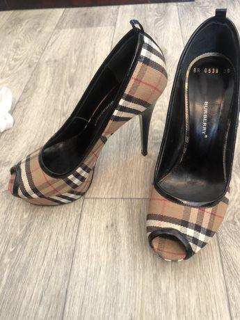Обувь туфли Barberry