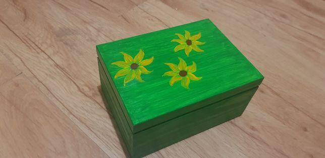 Szkatułka ręcznie malowana, drewniane pudełko