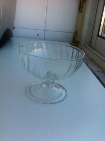 16 Taças em vidro para sobremesa/fruta