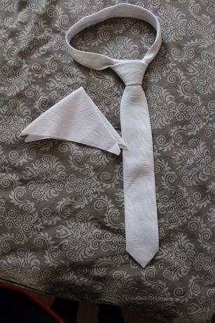 Krawat i butnierka ślubna