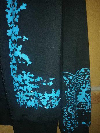 Кофта с узорами синяя с черным