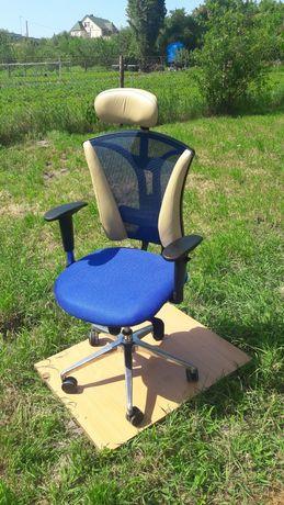 """Шикарное офисное компьютерное  кресло """"Pilot"""""""