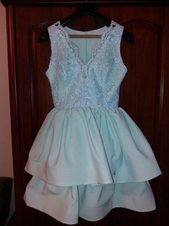 Sukienka r.38 Piękny kolor.