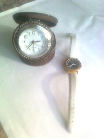 zegarek budzik i mówiący