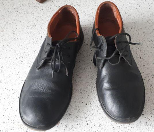 Туфлі на хлопця 38 розмір