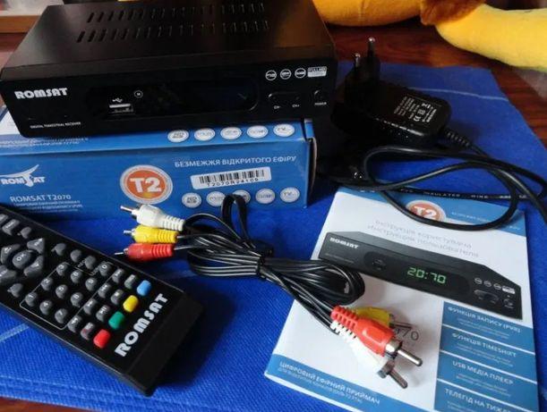 ТВ - ресивер DVB - T2 Romsat T2070