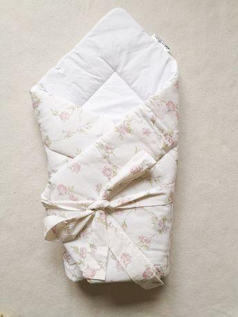 Rożek niemowlęcy, biały w kwiaty