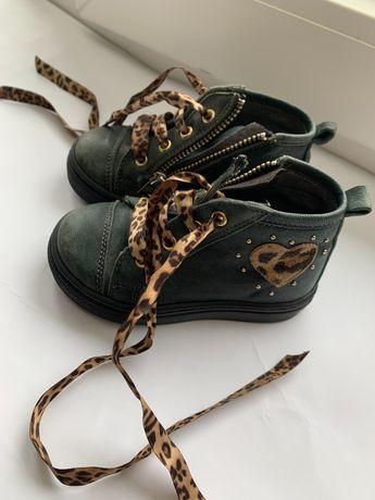 Взуття для дівчинки 20 розмір