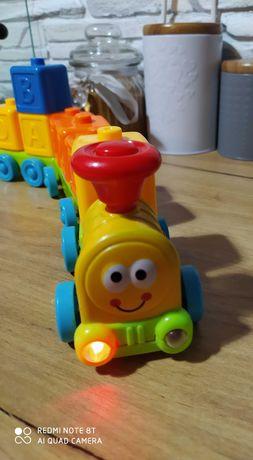 Pociąg grający z klockami