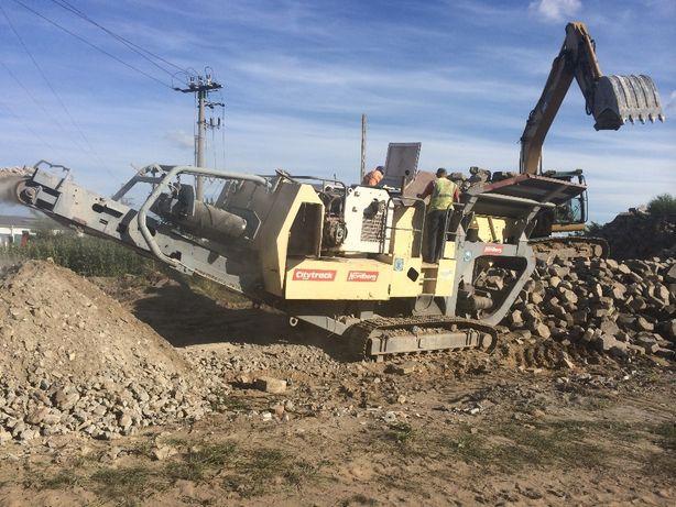 Kruszarka wyburzenia rozbiórki niwelacje terenu gruz beton
