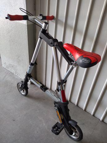 Mini bicicleta para adulto até 85 kilos em ótimo estado