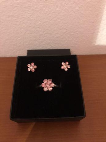 Conjunto de brincos + anel