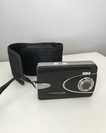 Máquina Fotográfica a Pilhas