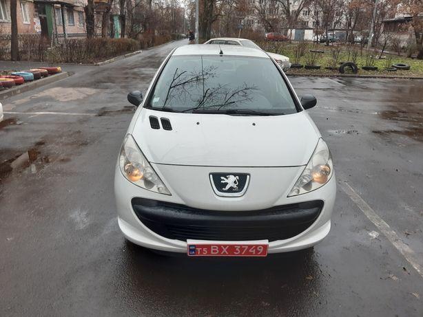 Пежо 206 + 1,4 дизель 2010 года