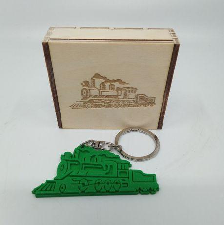 Brelok 3D parowóz zawieszka, prezent + drewniane pudełko