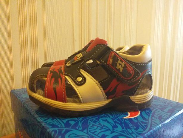 Кожаные ортопедические босоножки сандали
