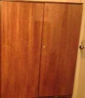 Шкаф платяной двухстворчатый