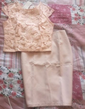 Костюм пудровый юбка карандаш и кружевной топ