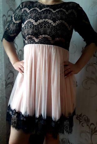 Гарна вечірня сукня(плаття).